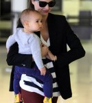 Miranda Kerr & Flynn at the airport in Sydney, Australia on Friday (December 2).