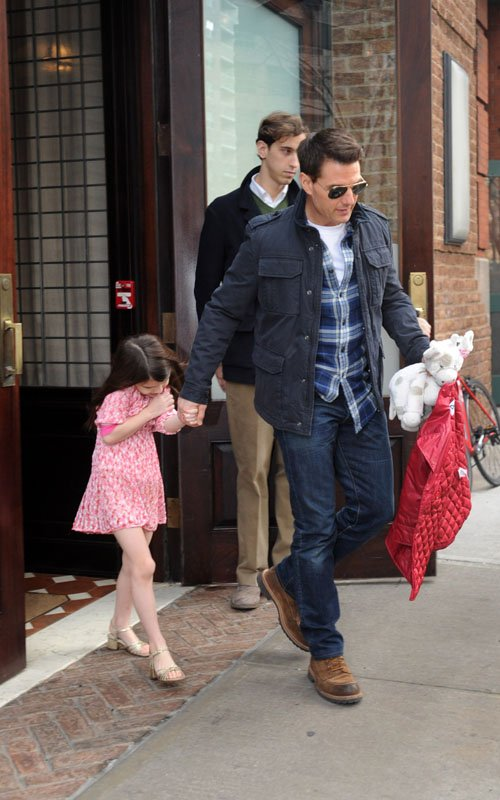 Tom Cruise Spends The Day With Suri