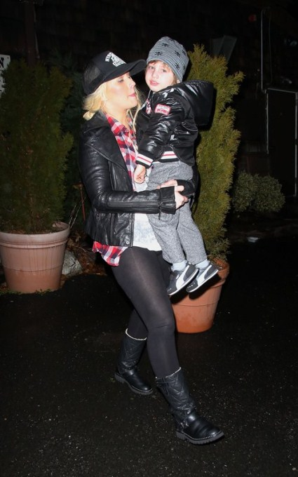 Christina Aguilera Has Dinner With Son Max