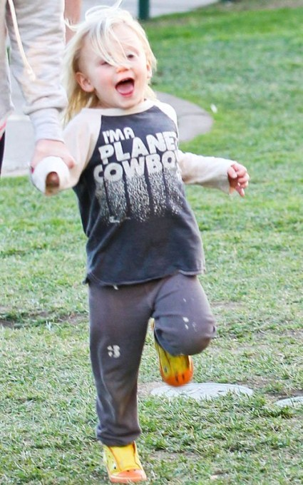Gwen Stefani, Gavin Rossdale Take Kids To The Park