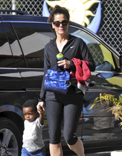 Sandra Bullock Picks Up Louis From School