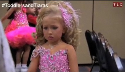 Toddlers & Tiaras and One Angry, Pathetic Pageant Mom (Video)