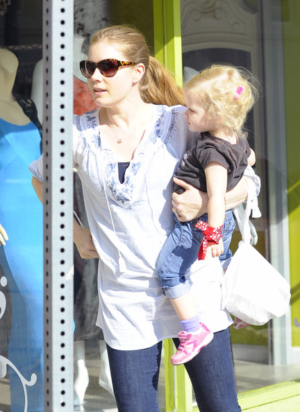 Amy Adams held her daughter Aviana Olea Le Gallo close as they went to a local eatery to meet with a friend for lunch in Los Angeles, California on January 19, 2012.