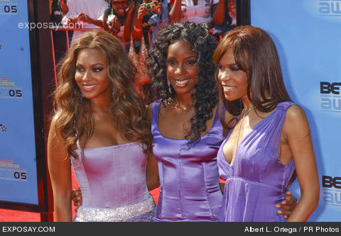 Beyonce, Kelly Rowland & Michelle WIlliams @ BET awards