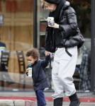 Ellen Pompeo & Stella Luna heading into a Coffee Bean in Los Angeles.