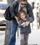 Jennifer Garner and Seraphina running errands in Santa Monica (January 31)