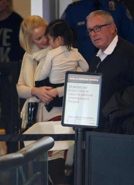 Katherine Heigl Takes Flight With Her Family