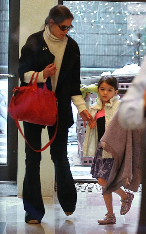 Katie Holmes & Suri Have a Mother-Daughter Day