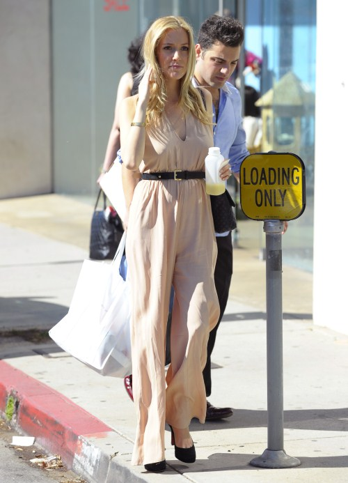 Mom-to-be Kristin Cavallari was out and about in West Hollywood, California on February 9, 2012