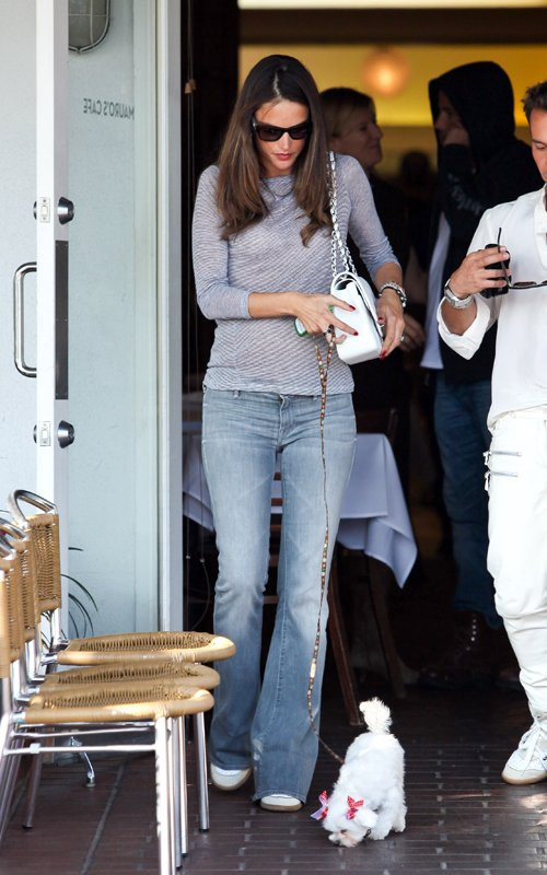 Alessandra Ambrosio and Bar Refaeli at Mauro's Cafe at Fred Segal (February 24)