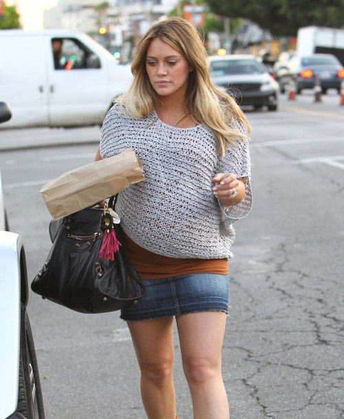 Pregnant actress Hilary Duff out picking up some lunch to go in West Hollywood, CA on February 14, 2012
