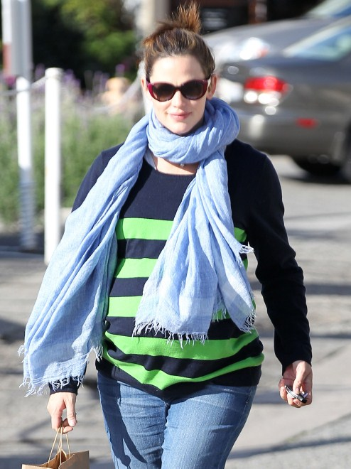 Jennifer Garner Pregnancy 2011 Photos, Weight Gain and Due Date ...