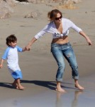 Jennifer Lopez and her beau Casper Smart enjoyed spending time at the beach in Malibu, California with her twins on February 5, 2012. Casper ran around the beach with Emme and Max