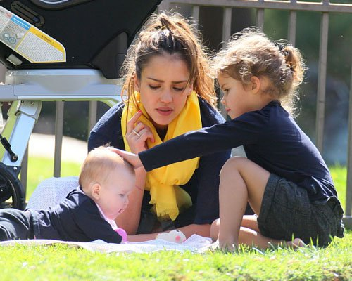 Jessica Alba's Family Fun Day!