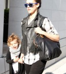 Jessica Alba takes daughter Honor Marie Warren to a cafe in Beverly Hills.
