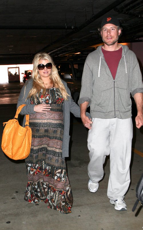 Jessica Simpson Checks Up On Her Baby
