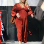 Jessica Simpson STILL Pregnant