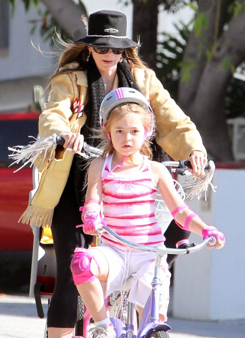Mira Sorvino & Daughter Enjoy A Ride