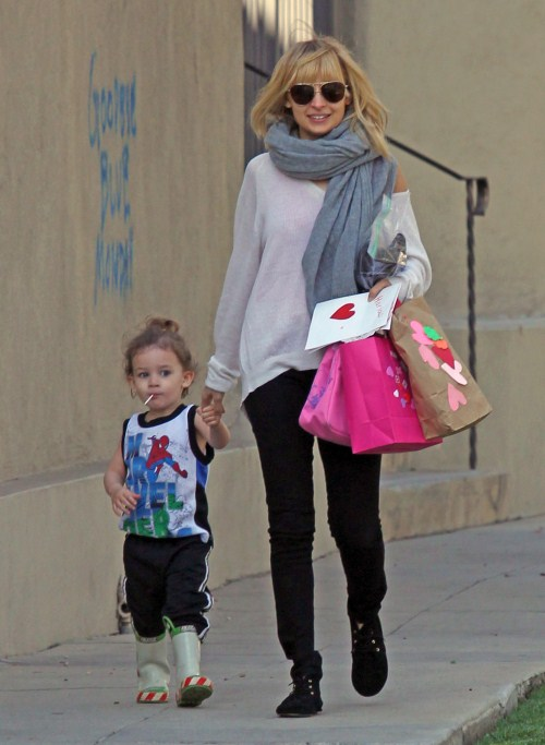 Nicole Richie & Joel Madden Pick Up Their Cuties!