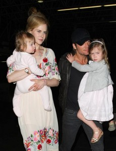 Nicole Kidman And Family Catches A Flight Out Of Los Angeles