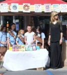 Heidi Klum With Girl Scouts