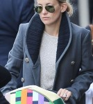 Kate Hudson shopping with Bingham in London (March 20)