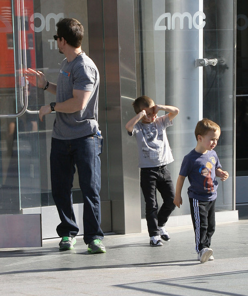 Cute Daddy Alert: Mark Wahlberg's Movie Date With His Boys
