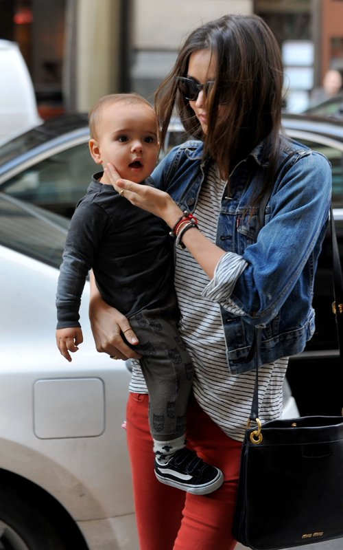 Miranda Kerr & Flynn in NYC (March 17)