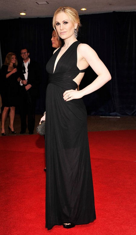 Anna Paquin Rocks Her Pregnancy Bump In A Super Sexy Dress At The White House