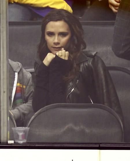 The Beckham Family Enjoying An LA Kings Hockey Game (Photos)