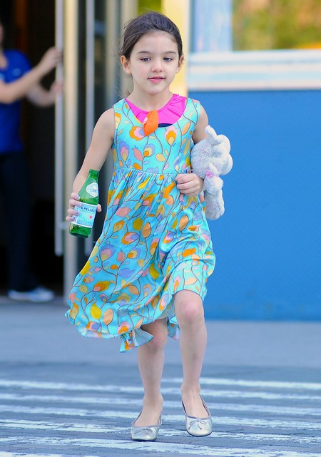 Suri Cruise Swaps Clothes With Her Stuffed Mouse (Photos)
