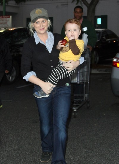 "Amy Poehler: Son Archie ""turning into a possessive husband""0430"