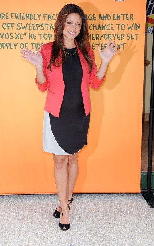 Vanessa Minnillo Lachey Promotes The Green Lifestyle