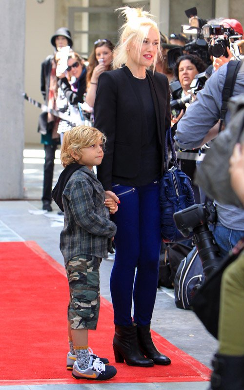 Gwen Stefani Hits The Red Carpet With Son Kingston