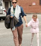 Jennifer Garner seen picking up her daughter Violet after a Ballet Class in Los Angeles.