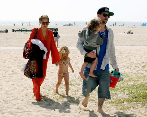 Nicole Richie & Joel Madden's Family Beach Day
