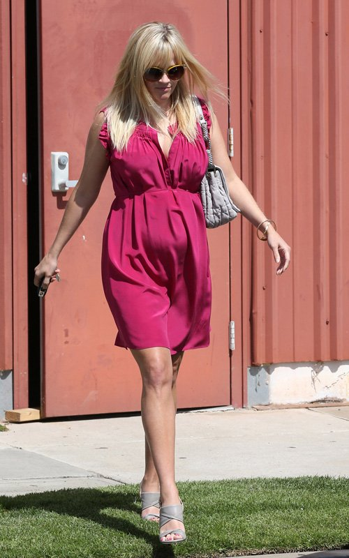 Reese Witherspoon leaving Easter Sunday church service with her family in Santa Monica, California (April 8)
