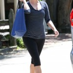 Reese Witherspoon Craves Seaweed Smoothies!