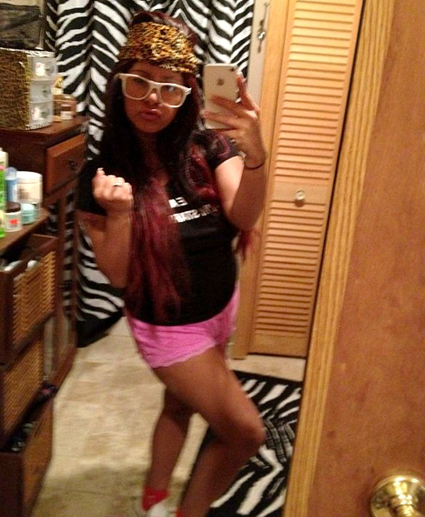 """Nicole """"Snooki"""" Polizzi Remains """"Classy"""" While Showing Off Baby Bump"""