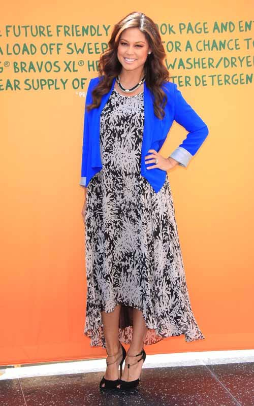 Pregnant Vanessa Minnillo Lachey at P&G's Take a Load off campaign (April 10)
