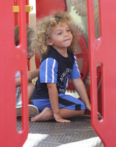 Hank Baskett Iv S Hair Raising Park Adventures 0522