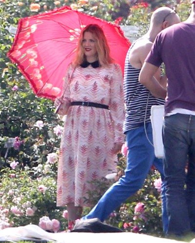 Drew Barrymore shows off baby bump in photo shoot (Photos)