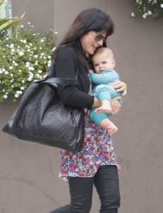 Selma Blair takes Arthur to the gym 0505