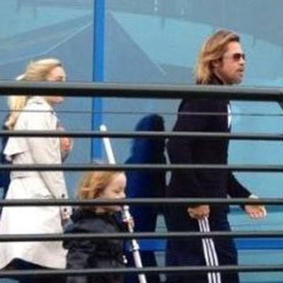 Brad Pitt takes family back to Legoland (Photos) 0503
