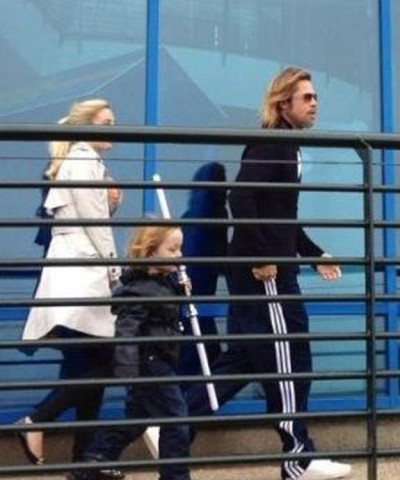 Brad Pitt takes family back to Legoland (Photos)