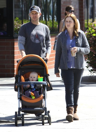 Jenna Fischer rebels against losing baby weight too fast in Hollywood 0502