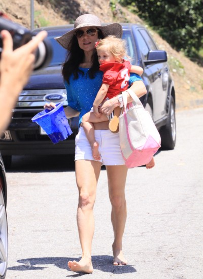 Another Day At The Park For Bethenny Frankel And Bryn