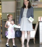 Jennifer Garner And Violet Affleck Shop For Father's Day 0530