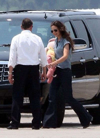 Katie Holmes and Suri Jet Off After Visiting Tom Cruise 0529