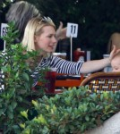 January Jones Lunches With Baby Xander 0520